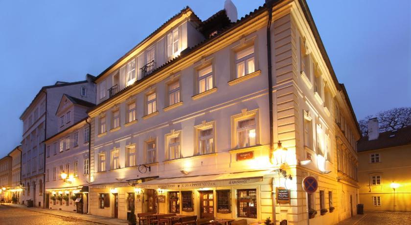 U Zlatych nuzek (Prag)