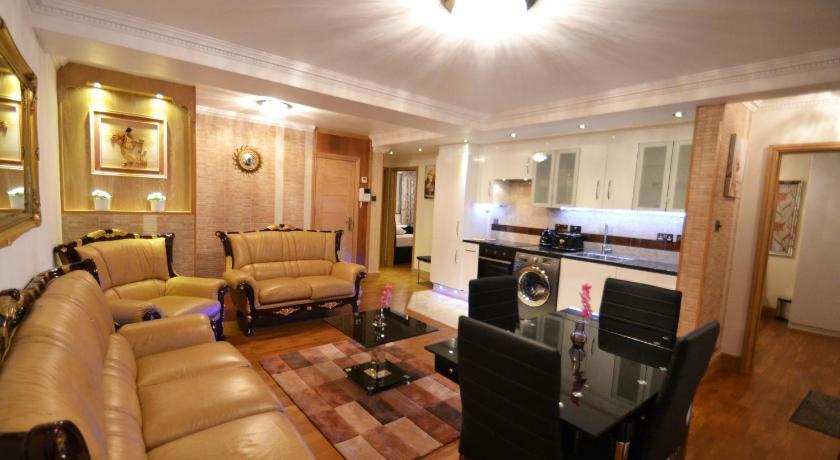 London Escorts Near Hyde Park Suites