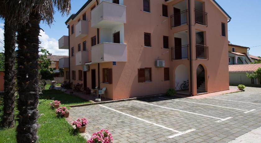 Nives Apartmanok