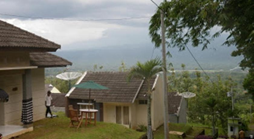 Facilities Of Villa Kampoeng Bali Salatiga