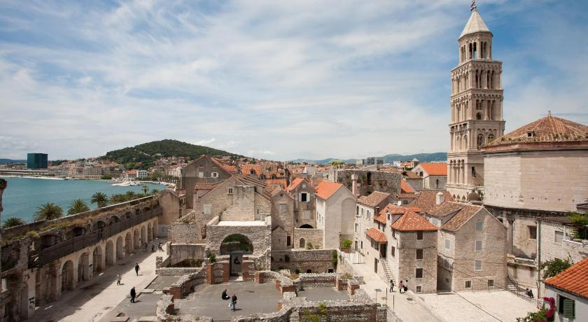 Diocletian Tower Apartments (Split)
