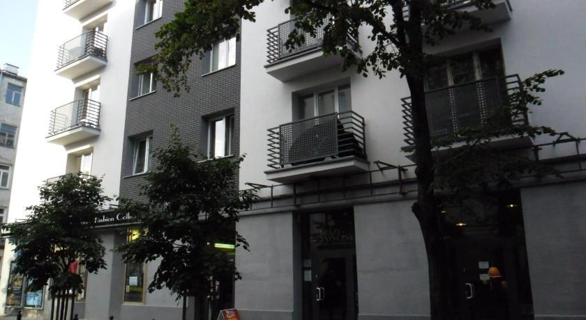 Klimatyczna kawalerka w centrum Warszawy (Warschau)