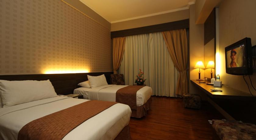 Maharani Hotel Hanya Berselang 10 Menit Berkendara Dari Kawasan Perbelanjaan Yang Terkenal Di Jakarta Selatan Pasaraya Grande Dan Pasar Festival