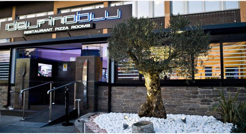 Booking Com Affittacamere Delfino Blu Rooms Como Italia