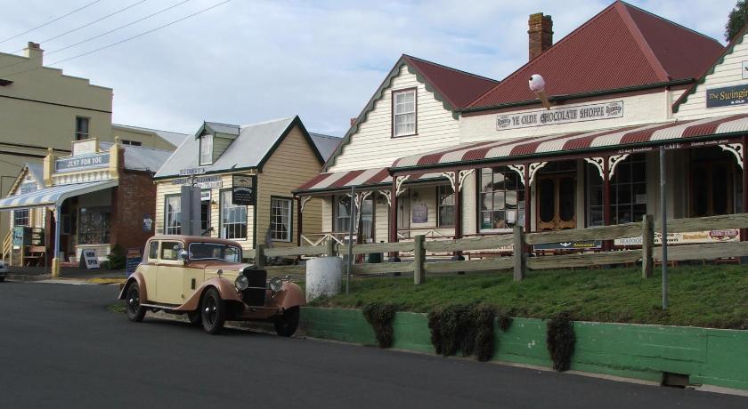 Ellie's Cottages