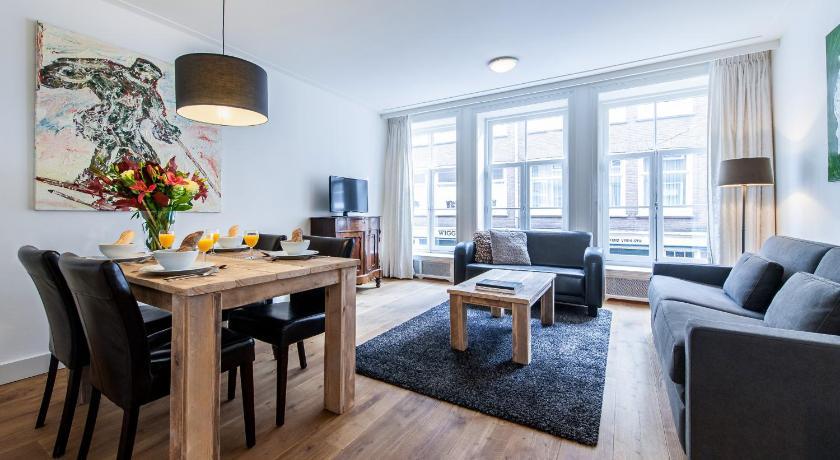 Jordaan Laurier Apartments (Amsterdam)