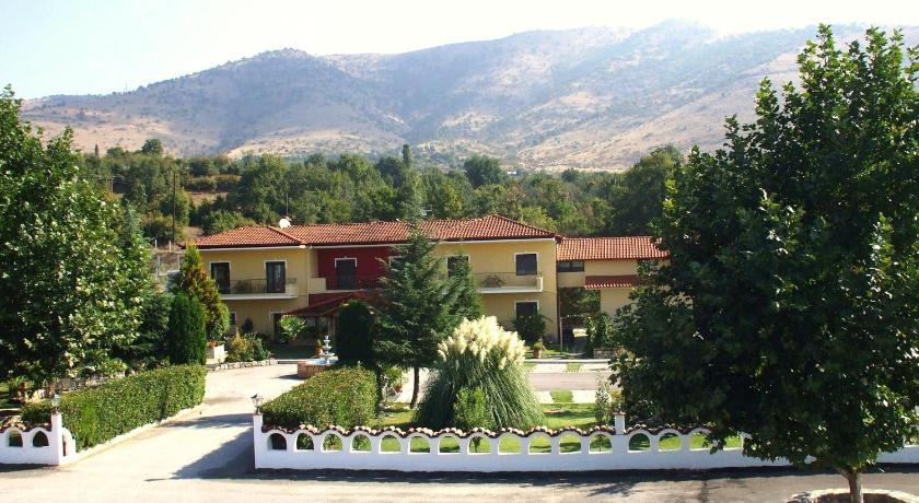 Galilaios Guesthouse, Hotel, 18th km National Road Kastoria-Athens, Vogatsiko, 52053, Greece