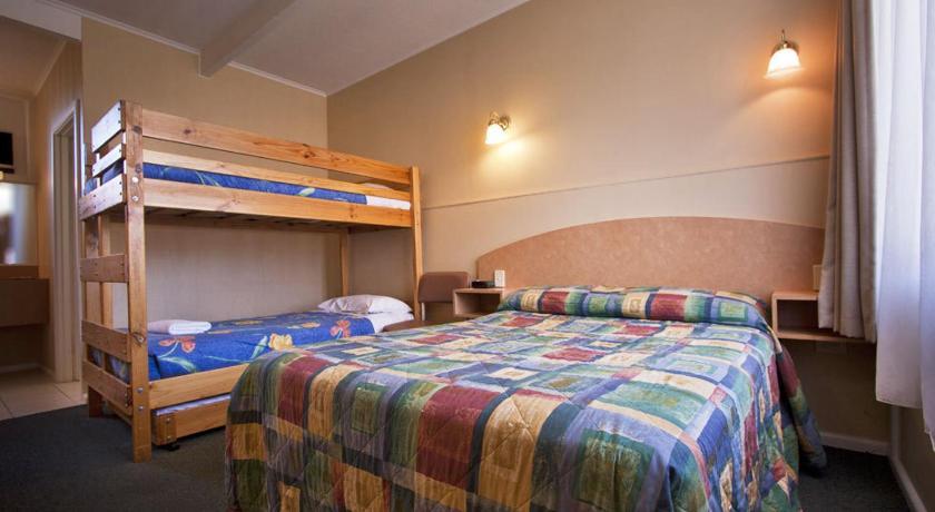 Parkville Motel