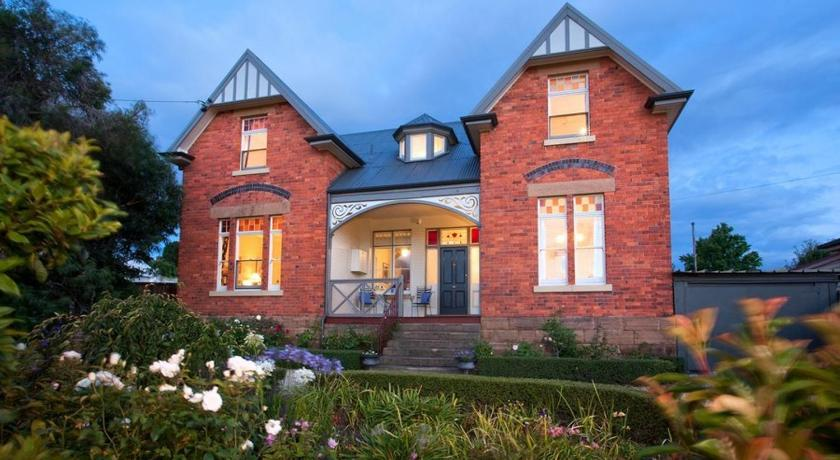 Bed and Breakfast Bellerive House