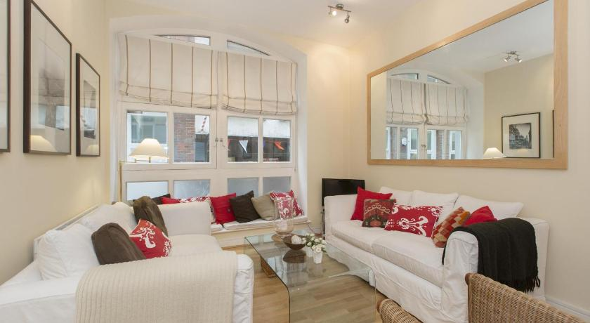 London Escorts Near onefinestay - City of London apartments