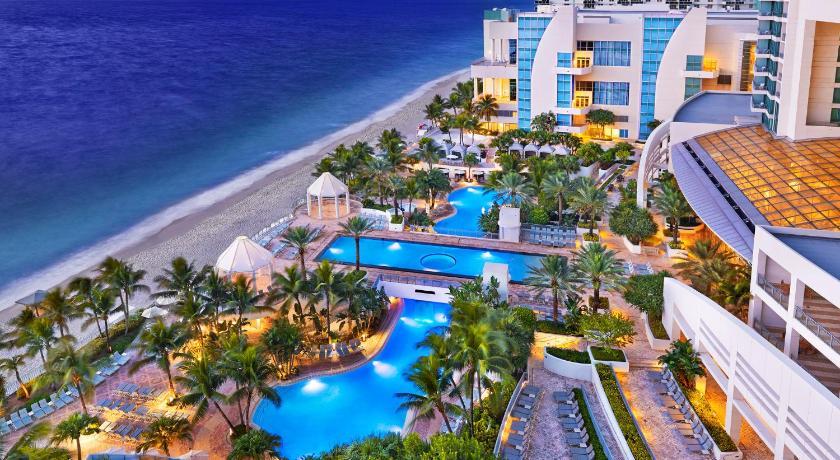 Diplomat Hotel Reviews