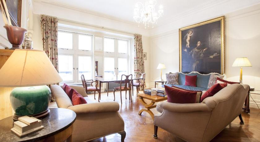 London Escorts Near onefinestay - Westminster apartments