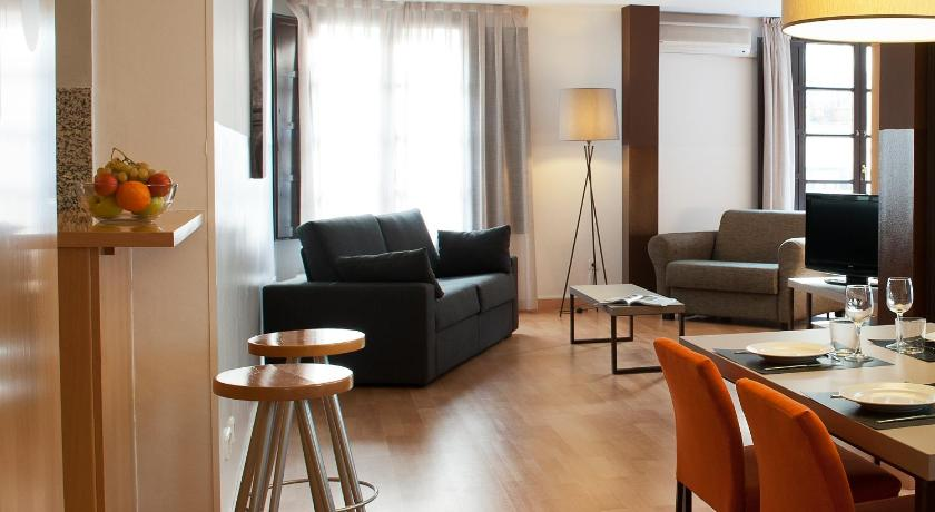 MH Apartments Opera Rambla (Barcelona)