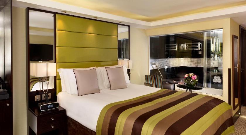 London Escorts Near London City Suites