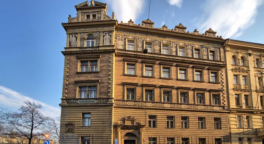 Riverside Apartment (Prag)