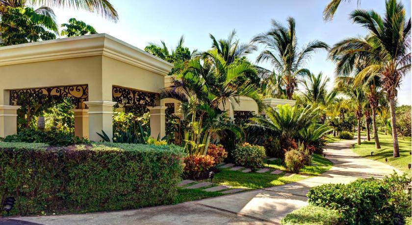 Villa pueblo bonito emerald bay mazatl n for Villas y bungalows en mazatlan