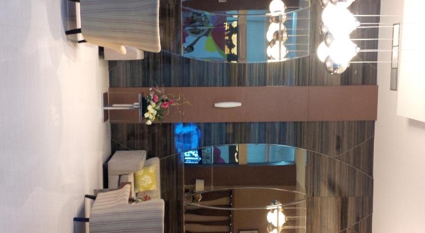 http://q-ec.bstatic.com/images/hotel/840x460/268/26891237.jpg