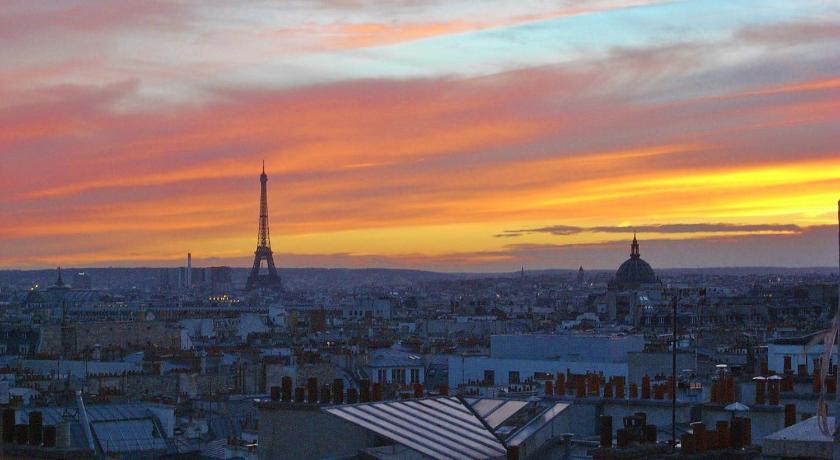 Apartment close to Montmartre District (Paris)
