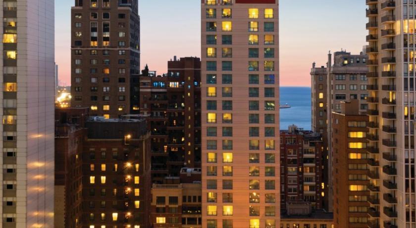 Hilton Suites Chicago/Magnificent Mile (Chicago)