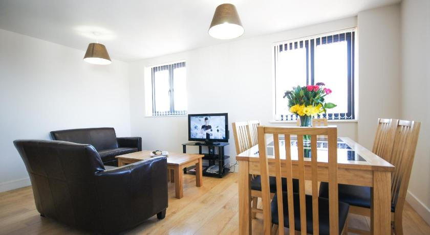 Crompton House Apartments (London)