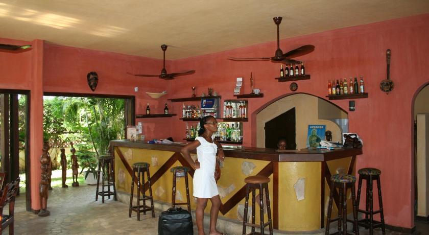 Hotel aurore lom lom togo for Bon de reservation hotel