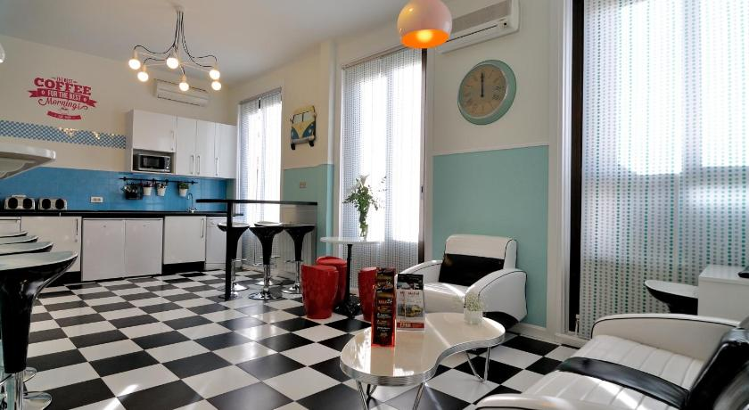 Hostal Far Home Plaza Mayor (Madrid)