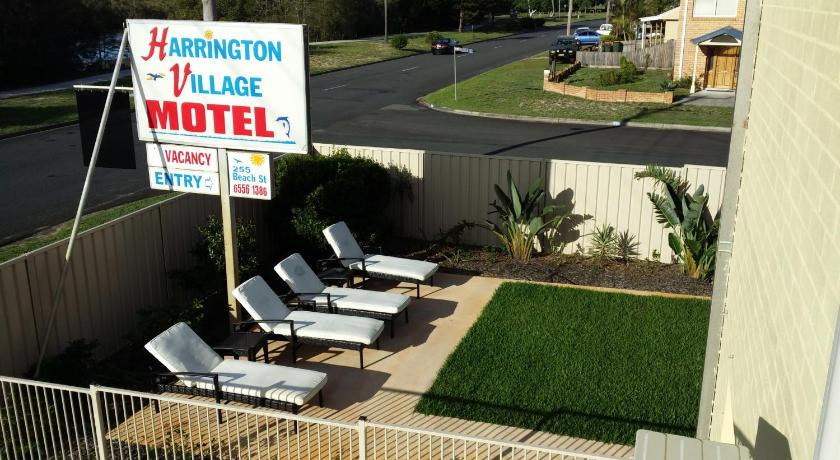 Harrington Village Motel