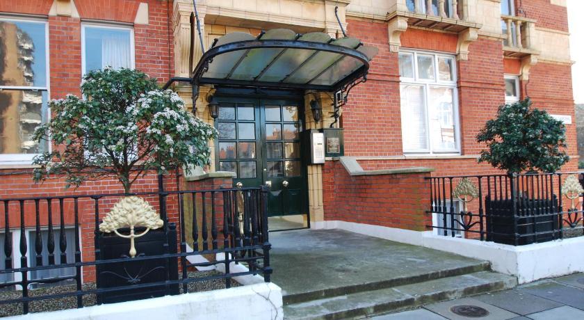 London Escorts Near The London Agent - Hurlingham Mansion Flat