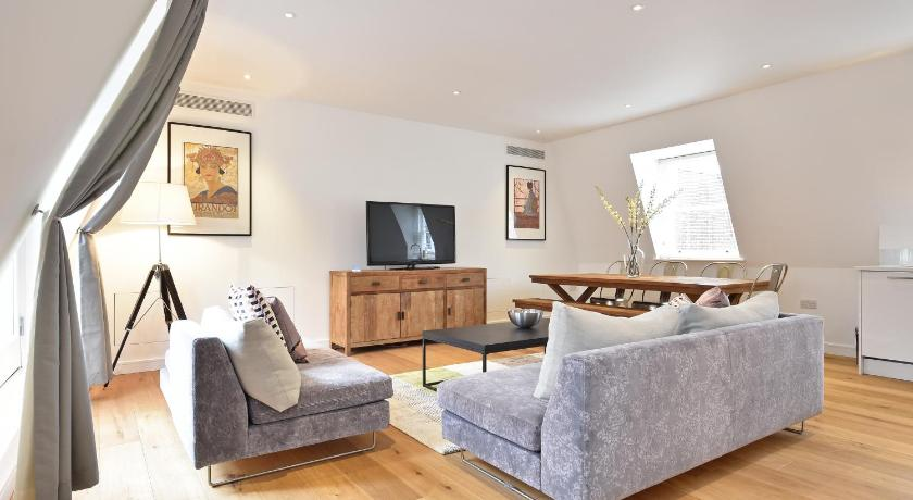 London Escorts Near City Marque Monument Serviced Apartments