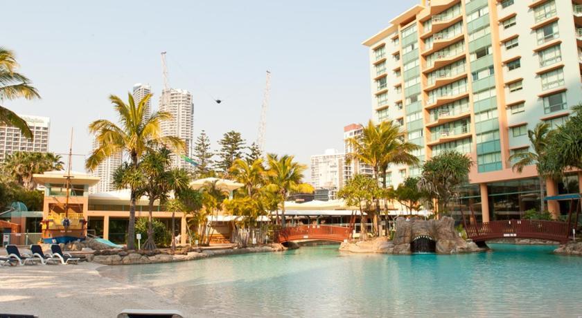 Condo Hotel Mantra Crown Towers