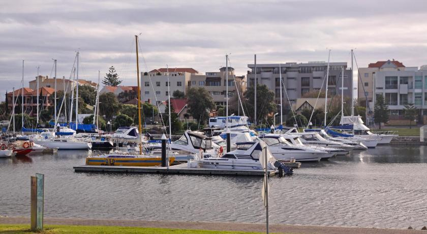 Bayswaterfront Apartments