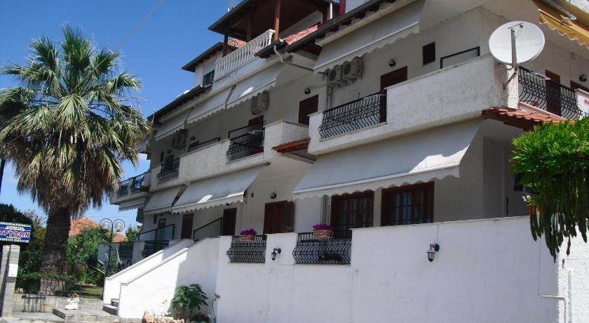Pension Trifon, Hotel, Paralia Ofriniou, Macedonia, 64008, Greece