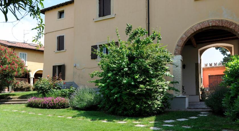 San Dionigi Apartments (Verona)