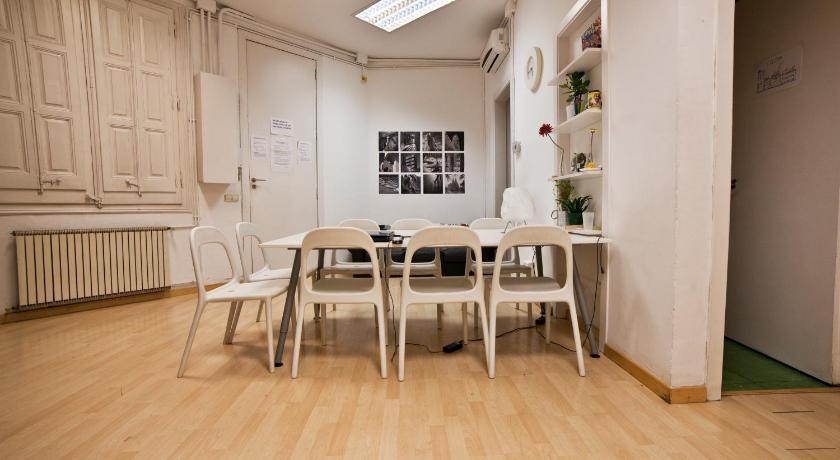 Barcelona Group Apartments (Barcelona)