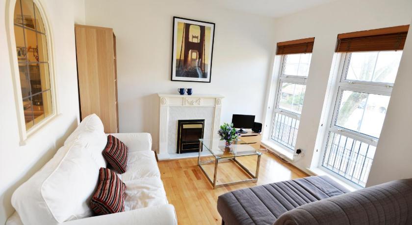 Grange Road Halldis Apartment (London)