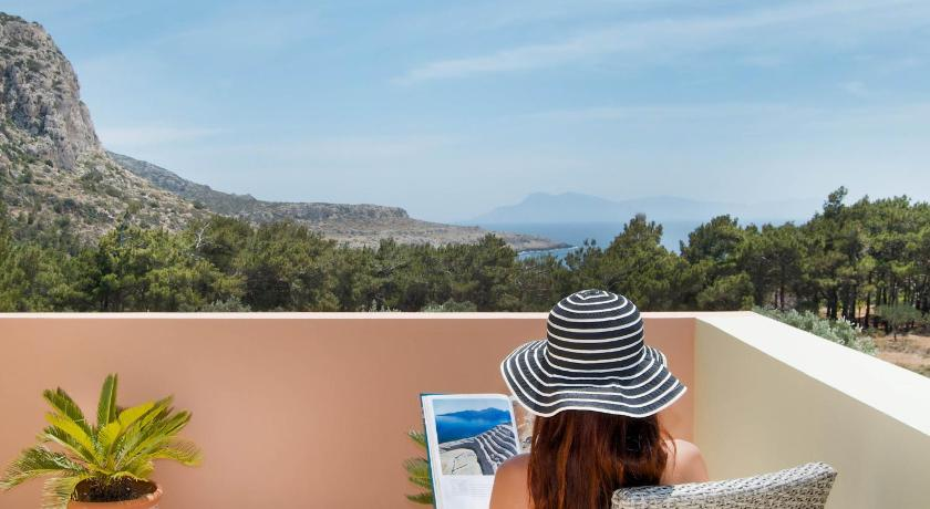 Miraluna Aparthotel, Hotel, Lefkos,  Karpathos, 85700, Greece