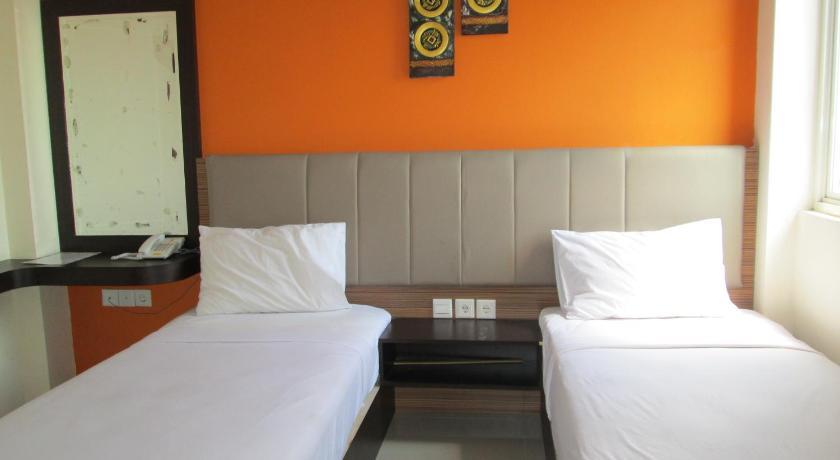 http://q-ec.bstatic.com/images/hotel/840x460/314/31432793.jpg