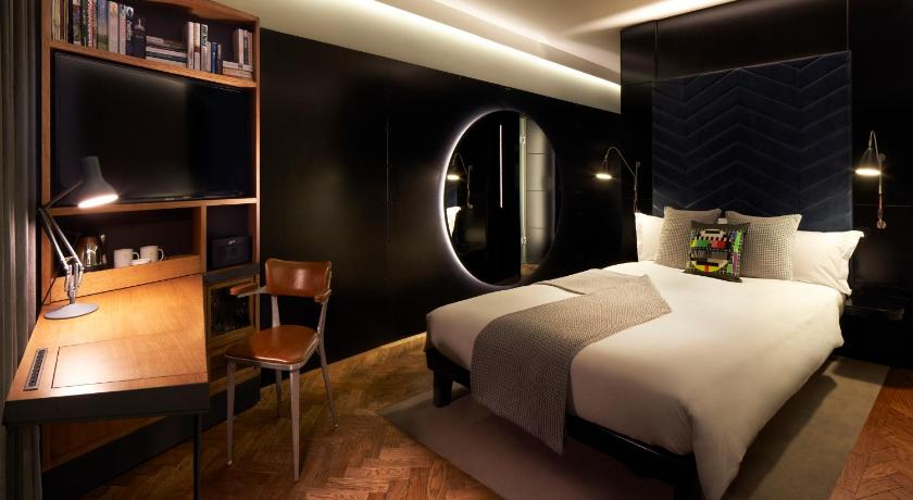 Top Deals The Hoxton Hotel London Uk Booking Com