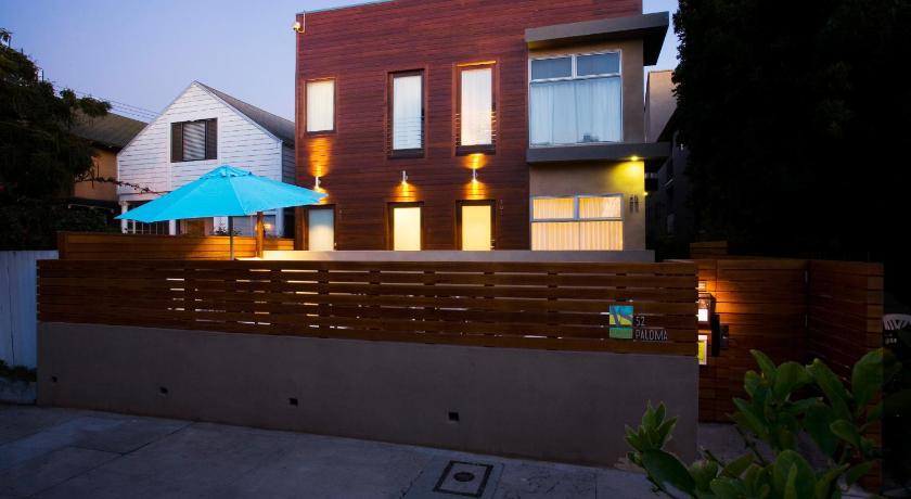 Venice Beach Vacation Condos (Los Angeles)