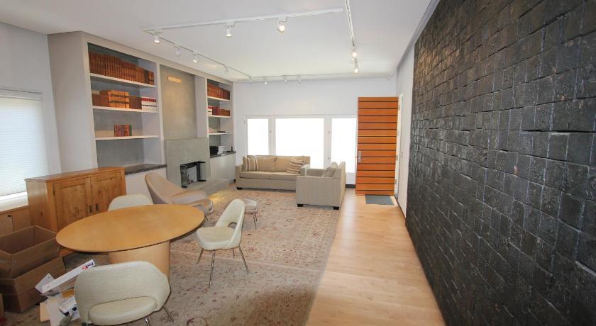 Los Angeles Guest Suites (Los Angeles)