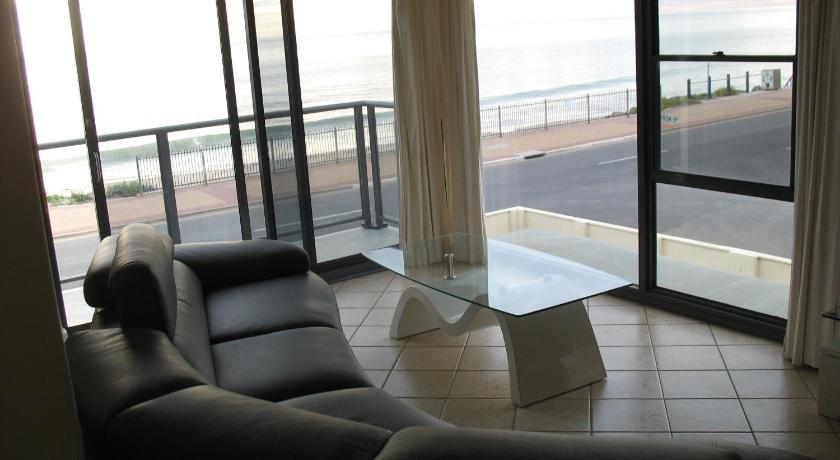 Glenelg Esplanade Apartment