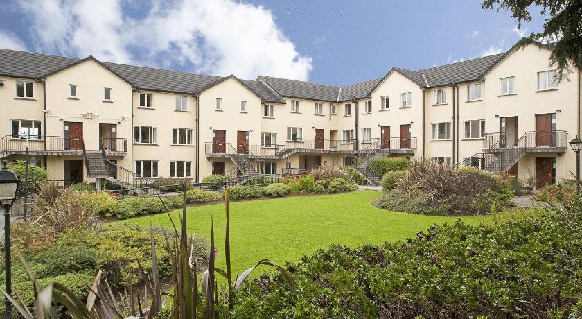 Menlo Park Apartments (Galway)