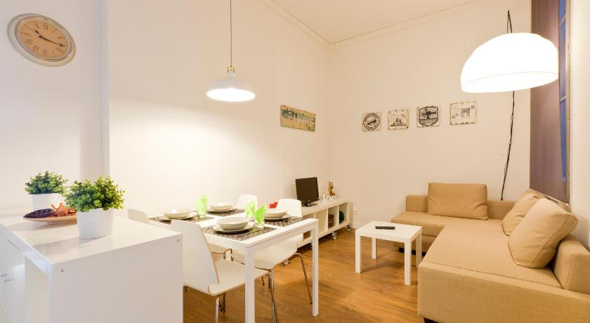 Design Apartment In The Center (Barcelona)
