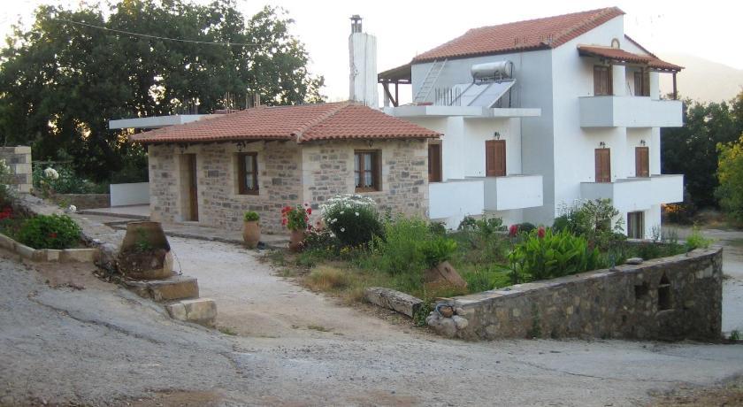 Ellinospito, Hotel, Axos Milopotamou, Axos, 74051, Greece