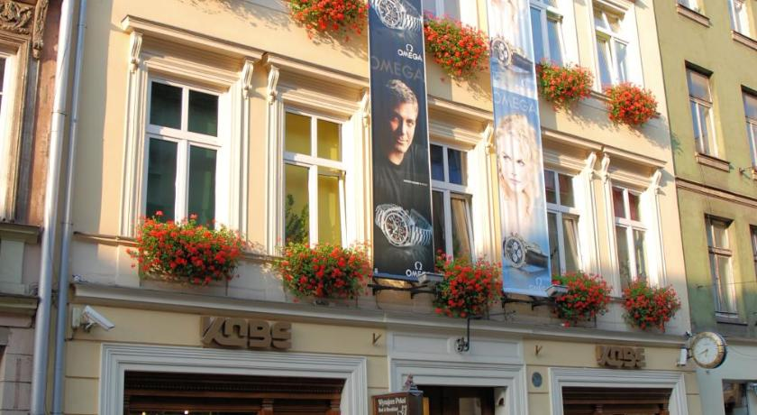 golden lion apartments krakow poland bookingcom