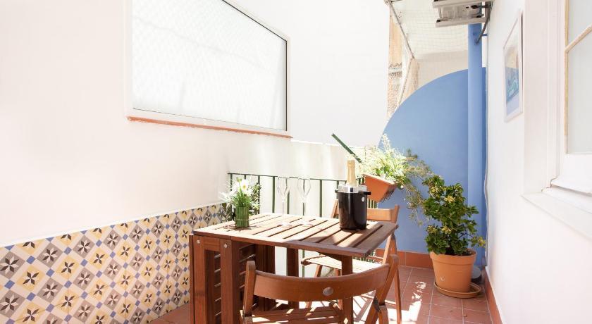 Centric Apartment El Molino Theater p1 (Barcelona)