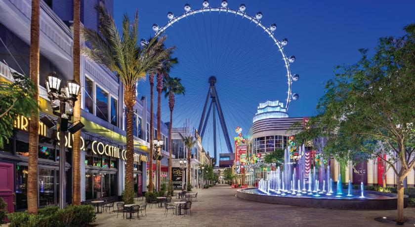 Booking com: Курортный отель Stratosphere Las Vegas