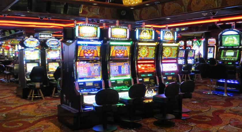 which online casino pays the best slot book of ra free
