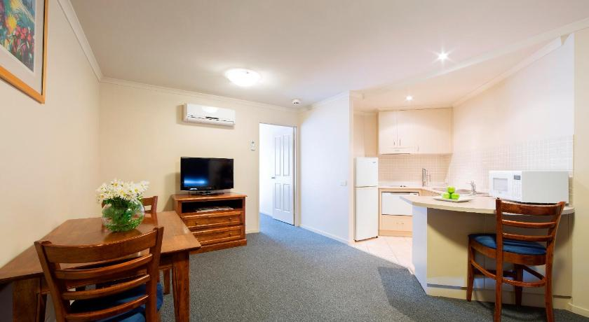 Parklands Apartment Hotel