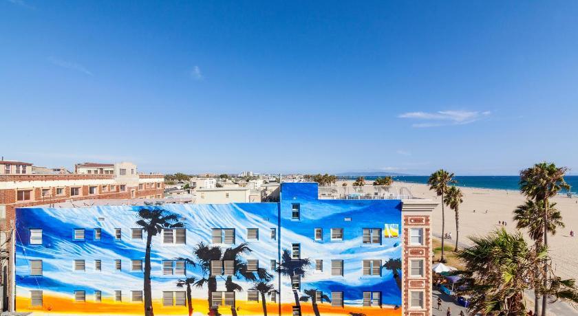 Venice Suites (Los Angeles)